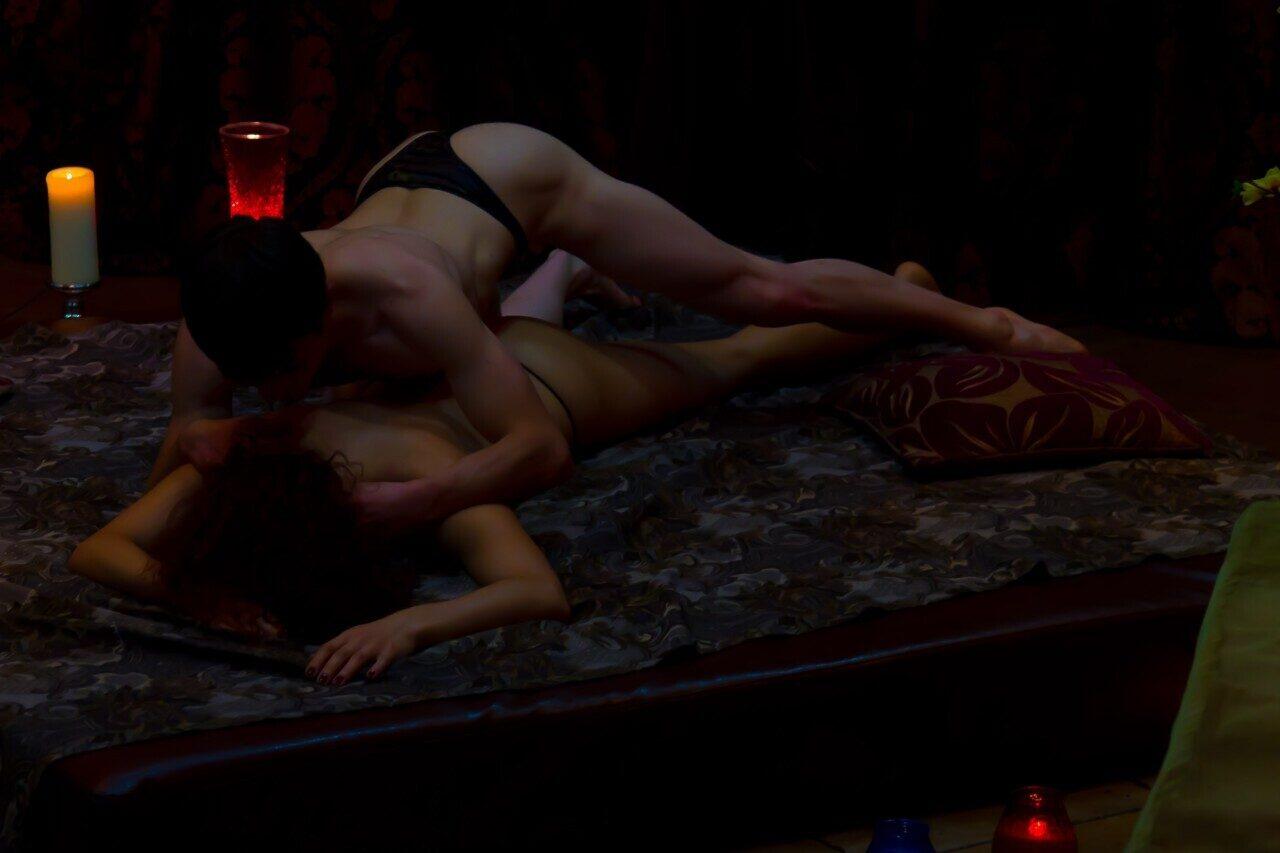 направляют красивый ролик о эротического массажа в контакте данных сценах русские